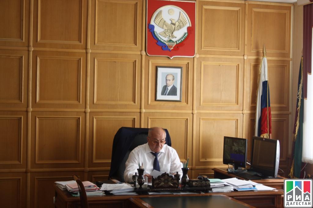 Фото чиновников россии за рабочим столом